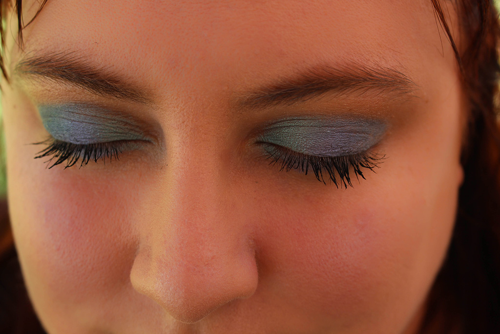 Let your inner mermaid shine through! Here are some tips to rock an ocean-inspired eyeshadow look filled with greens & blues every day!